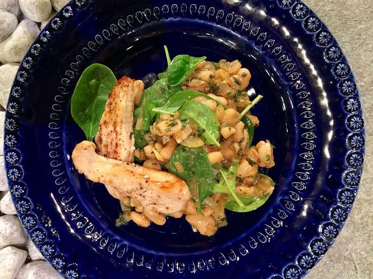 Smörstekt kyckling med brynt dragonsmör och cannelinibönor | Recept från Köket.se