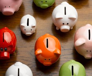 Banks That Offer Compound Interest Savings Accounts