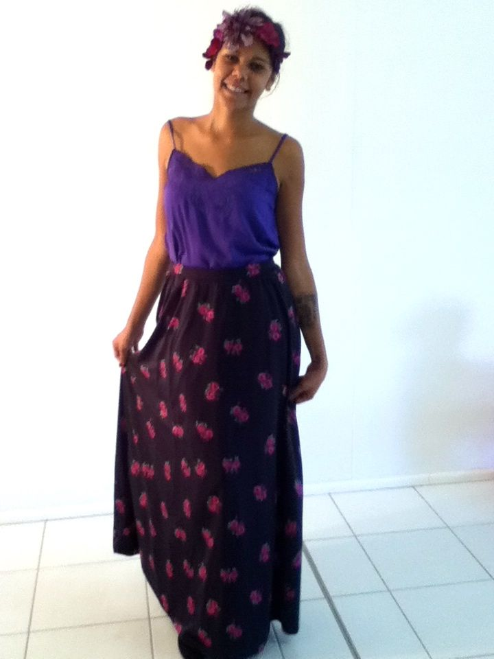 XS-S / AU 6-8 $25 L: 104cm W: 72cm   European vintage highwaisted maxi skirt. Has PRETTY floral prints on it with a full silky underlay. TOP QUALITY!!..