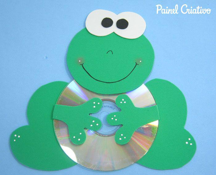 como fazer  sapinho com cd usado reciclagem (3)