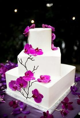 tort ślubny - wykończenie z lukru