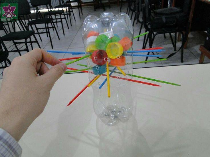 Juegos y juguetes con materiales de reuso :D