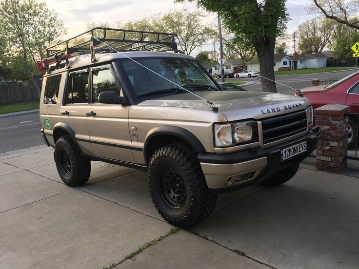 "2001 Land Rover discovery 2,  3"" Terrafirma lift on 33"" Atturo tires on 8x16 Terrafirma rims with Limb Risers"