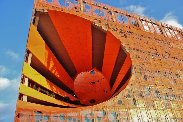 Lyon Confluence - Le Cube Orange - Jacob et McFarlane architectes