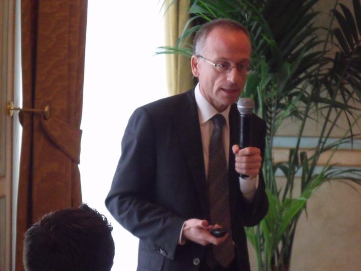 Cross Culture and Diversity Management: le nuove frontiere della globalizzazione e il galateo della professione Filippo Squarcia, HR Director Starwood Hotels & Resorts Milan Area