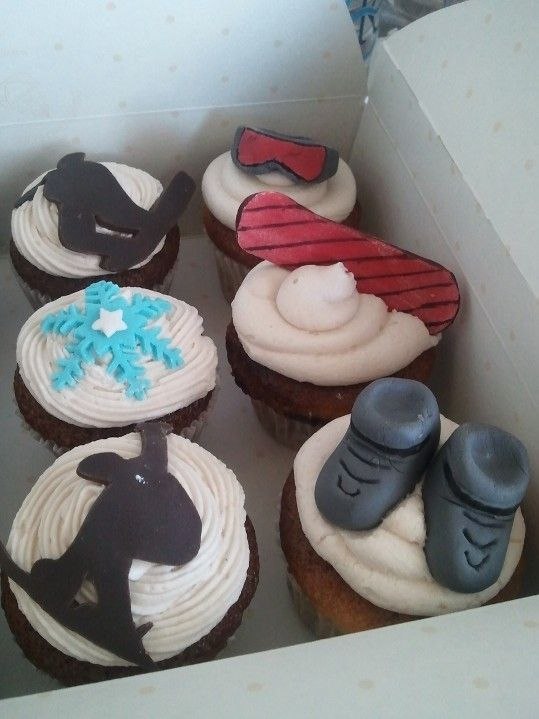Snowboarding Themed cupcakes
