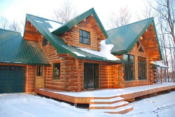 The Keplar Log Home in the sunshine!!!