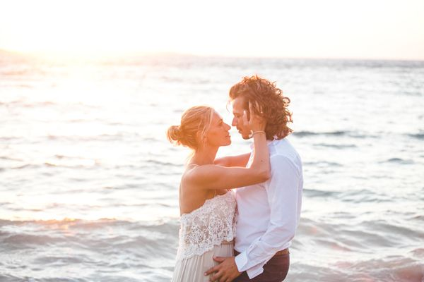 Day after shoot in Mykonos! See more here http://www.love4weddings.gr/bohemian-wedding-nafplio/