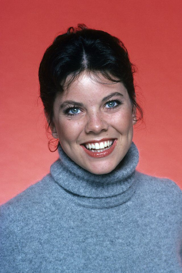 Erin Marie Moran (born October 18, 1960) is an American actress, best known for the role of Joanie Cunningham on Happy Days and its spinoff Joanie Loves Chachi. Description from fameimages.com. I searched for this on bing.com/images