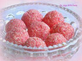 Romantyczne, różowe, o cudownie lekkim zapachu róży i delikatnym smaku białej czekolady... Pyszne!             Składniki:   100 g białe...