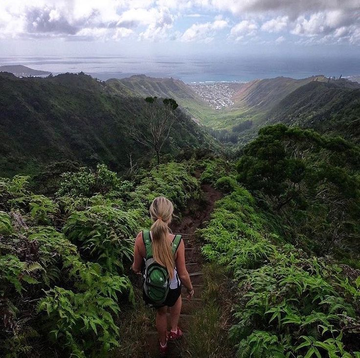 "Can you say ""weekend views?"" @noelle_joy_ out on the wiliwilinui trail in Hawaii. Hmmmm what would you rather Halloween party or backpacking trip? #weekend #hiking #sharethewild"
