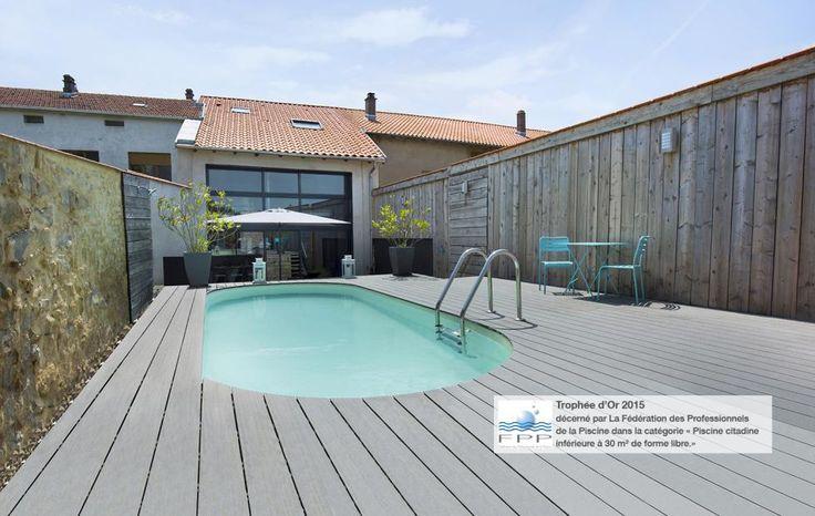 Très belle grange entièrement rénovée par son propriétaire et sa piscine ovale Olivia. #waterair