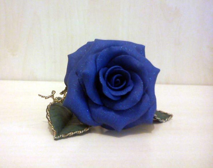 Autore: Teo Pinnetti Rosa blu fatta a mano