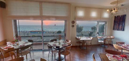 Capricci Restaurant -  Apodimon Amerikis 14, Rhodes Town 85100, Greece