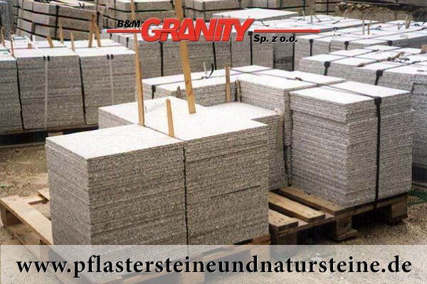 Firma B&M GRANITY bietet diverse Steinplatten an. Platten können so… unterschiedlich (Farbe, Form, Bearbeitungsmethode) sein…Diesmal – sehr schöne, frostbeständige Platten aus Granit (grau). Man kann auch mit diesem Stein andere Natursteine wunderbar zusammenbauen und zusammenstellen. http://www.pflastersteineundnatursteine.de/fotogalerie/platten/