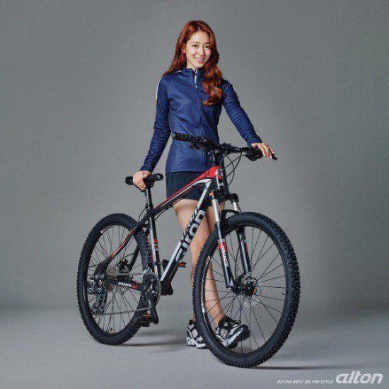 Park Shin Hye #Alton      instagram.com/p/BA3nd8vyz0Q/