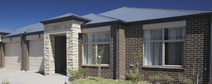 Example of Austral homestead brick 'Tan', paperbark colorbond, Ironstone roof