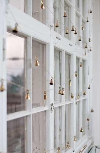 Campanas doradas para decorar