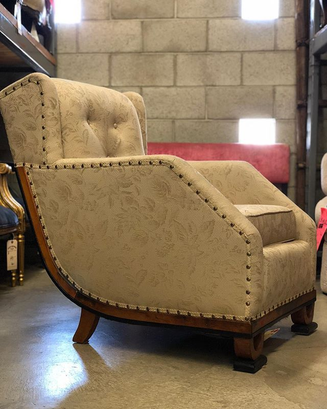 This Artdeco One Wanted Its 15 Min Of Fame Too So Here Ya Ll Go 399 We Instagram Wertz Brothers Furniture Broth