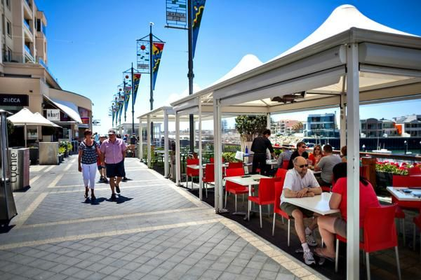 There will be plenty of restaurant options when you are on your beach holiday #Glenelg #SeawallApartments #Mildura