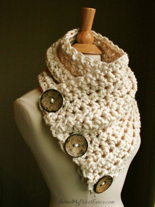 Warm, soft and stylish scarf with 3 coconut buttons!