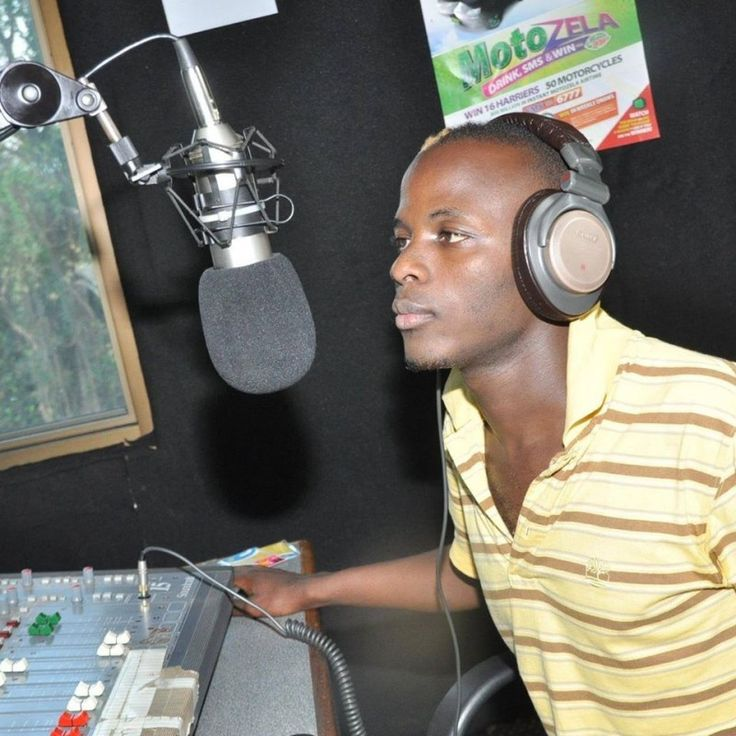"I EXTORT MONEY FROM ARTISTS AND USE GIRLS RADIO PRESENTER CONFESSES. - 16/09/2014 Story by Kabuye Viyeno The self proclaimed music teacher, renowned music critic on radio platforms and host of Africa koona show on Star TV, Lwasama admitted that he extorts money from artists and that he takes advantage of girls due to his fame. ""Yes... #lwasamastartv #lwasamatheteacher #presentersbeatenbyartists"