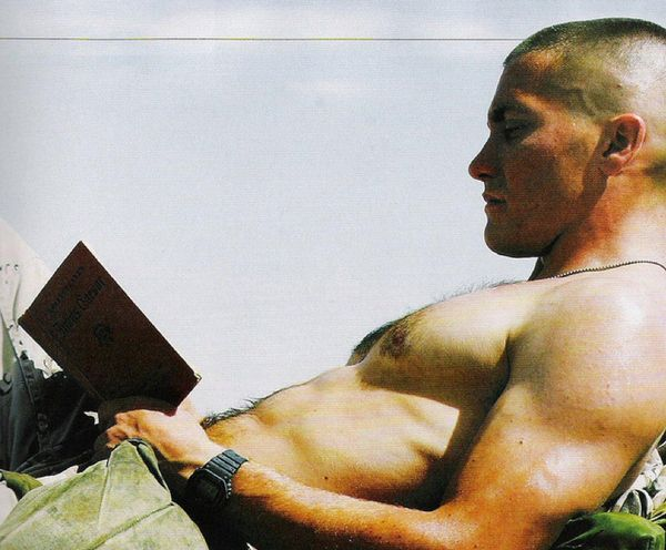 jake-gyllenhaal-shirtless-12142010-13 - Socialite Life