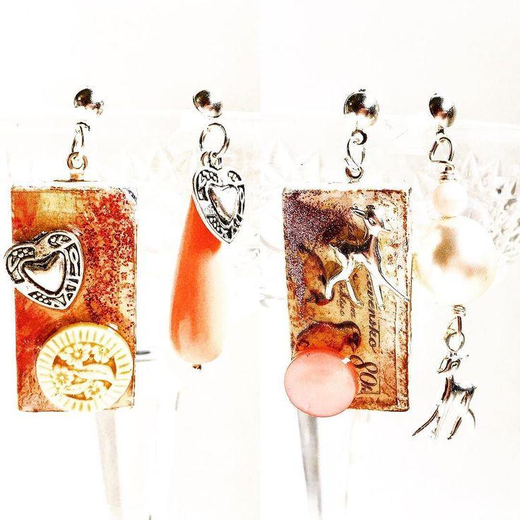 Anche queste altre due tessere del domino sono diventate orecchini coordinati in coppia a orecchini coordinati ma non identici  Tutorial sul mio canale archidee: https://youtu.be/YQnFHCRi5ww     #archidee #becreative #bepositive #resin #alteredart #resinart #resincraft #domino #tutorial #handmade #handmadejewelry #dominos #supporthandmade #handcrafted #crafting #resina #pendant #artigianato #vintage  #shabby #shabbychic #craft #instacraft #instajewelry #jewelrytrends #howto #altereddominoes…