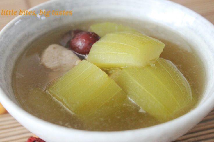 Enjoy a simple Chinese soup of hairy gourd with dried scallop, stewed in chicken or pork broth with sweet Chinese red dates.