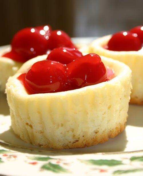mini cheesecakes!!Desserts, Recipe, Minis Dog Qu, Food, Mini Cheesecakes, Sweets Tooth, Cherries Cheesecake, Minis Cupcakes, Minis Cheesecake