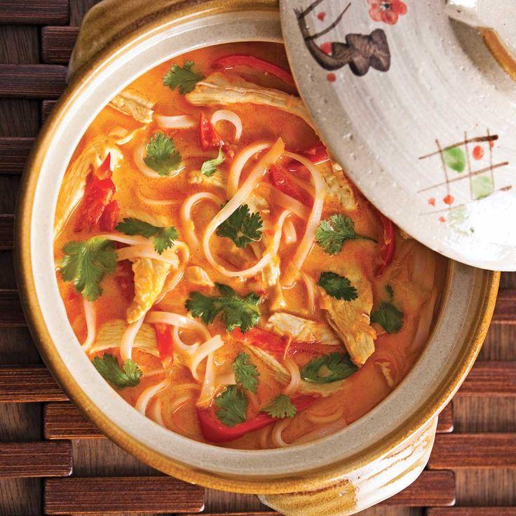 Soupe épicée au poulet et lait de coco - Recettes - Cuisine et nutrition - Pratico Pratique