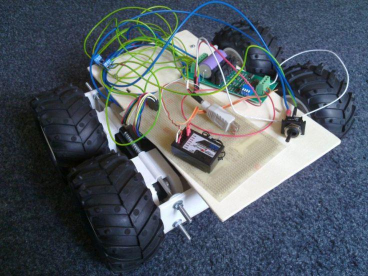 Robot Control Ties RC Receiver to Motor Controller   Hackaday