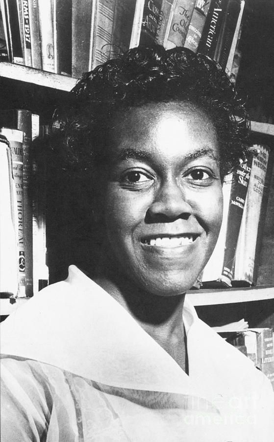 a biography of gwendolyn brooks an american poet Home gwendolyn brooks: poems wikipedia: introduction gwendolyn brooks: poems gwendolyn brooks introduction gwendolyn elizabeth brooks (june 7, 1917 - december 3, 2000) was an american poet and teacher.