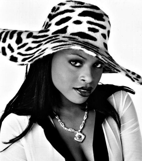 Foxy Brown. Rapper, hip-hop. 90s music.