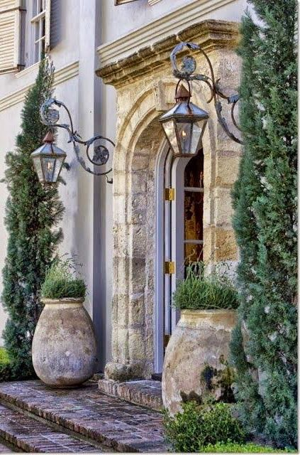 To the gardens. By Priory Home Atelier My Kind of entrance!