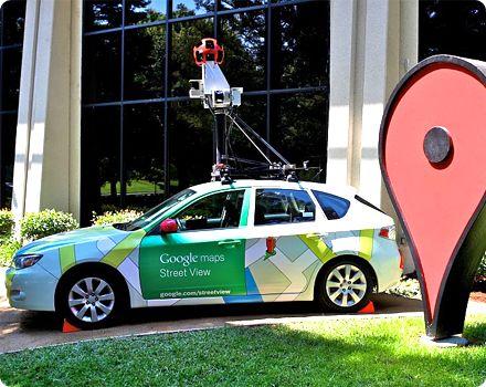 Google acepta indemnizar con 7 millones de dólares la recopilación de datos de wifi privado sin autorización mientras captaba imágenes con el coche de Google Street View.