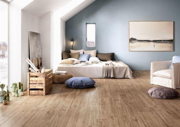 Toni caldi per la camera da letto, moderni per il soggiorno e freddi per la cucina. La combinazione la scegliete voi, ma i pavimenti di gres porcellanato rimangono un tocco raffinato in casa, non trovate? http://www.arredamento.it/il-gres-porcellanato-effetto-legno.asp #pavimenti #rivestimenti #gres #parquet #gresporcellanato #consiglisoggiorno #consiglicameradaletto Ceramiche Keope Marazzi Cerdomus Ceramiche Emilceramica Group
