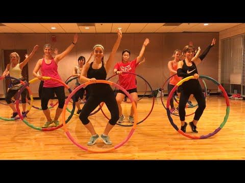 """TELEPHONE"" Lady Gaga ft Beyoncé - Ballet Barre Workout w/ Hula Hoops Valeo Club - YouTube"