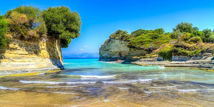 Die legendäre Bucht Canal d'Amour auf Korfu, Griechenland