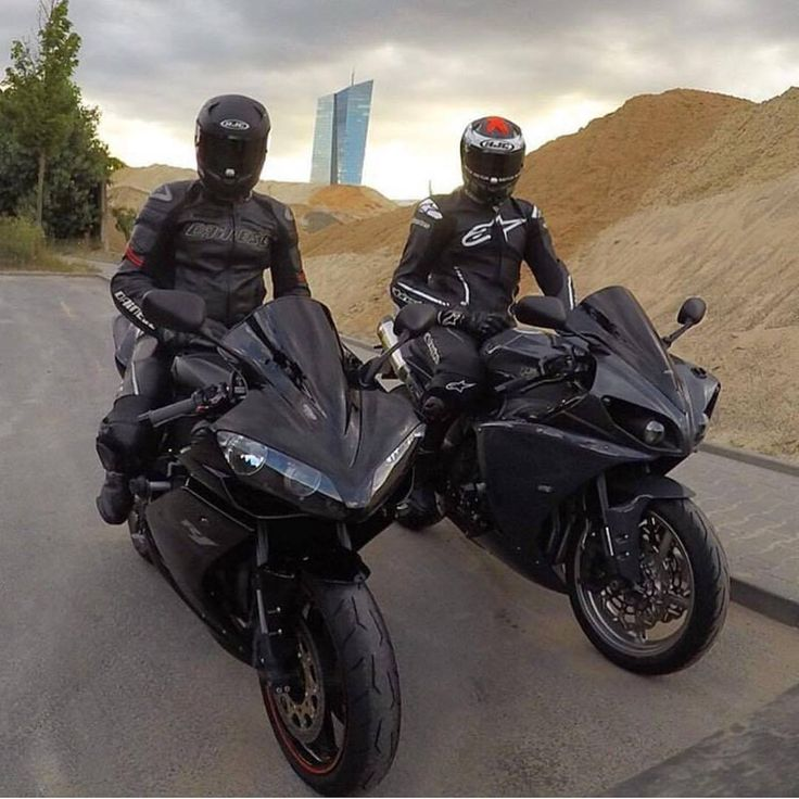 2008 & 2009 Yamaha R1 blacks