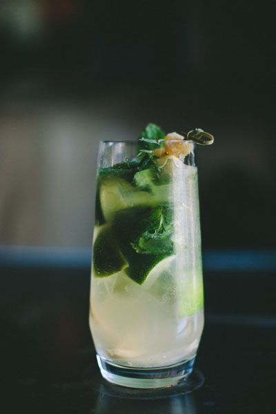 Delicious fresh and seasonal cocktails at Eichardt's Bar