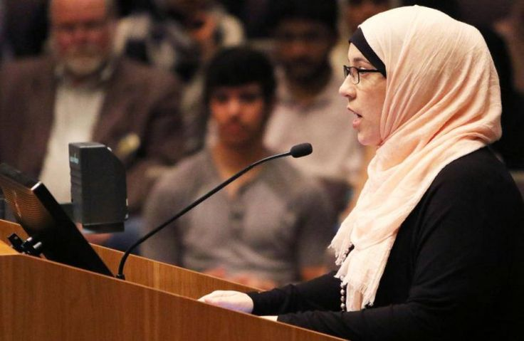 TEXAS: Muslims Outraged; City Council Backs Bill To Ban Islamic Sharia Law Tribunals--TAKE YOUR SHARIA LAW BACK TO THE MIDDLE EAST-WE AMERICANS DON'T WANT YOUR TRIBUNAL HERE!!!!! Read more at http://libertyalliance.com/texas-muslims-outraged-city-council-backs-bill-to-ban-islamic-sharia-law-tribunals/