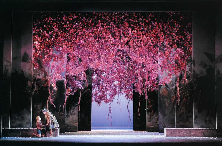 Giovanna D'Arco from Teatro Regio di Parma. Directed by Gabriele Lavia. Sets by Andrea Viotti.