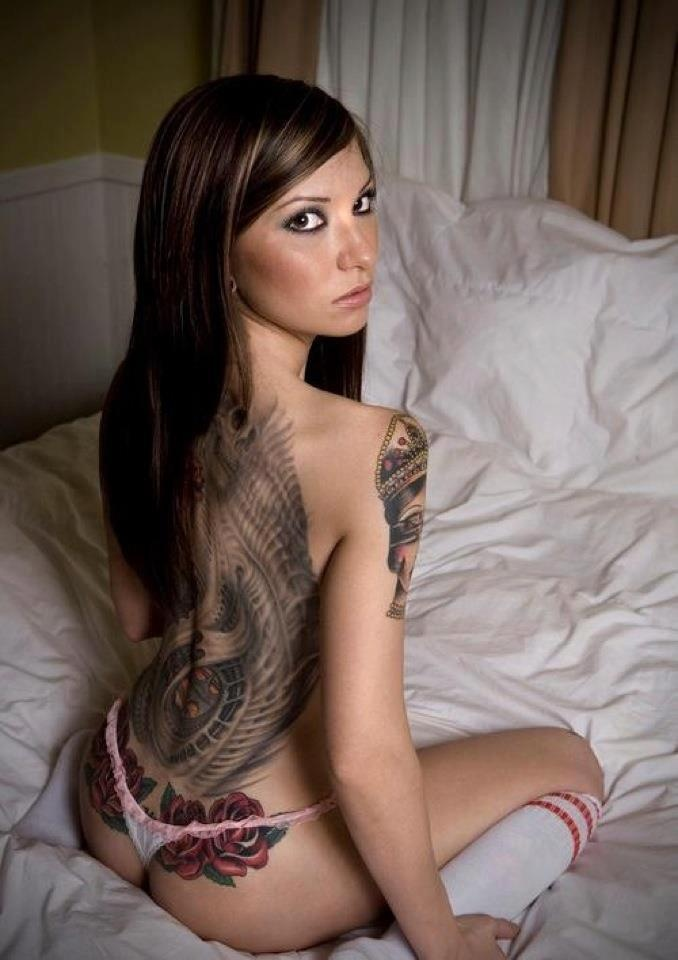 pics of girls and their tattoos nude