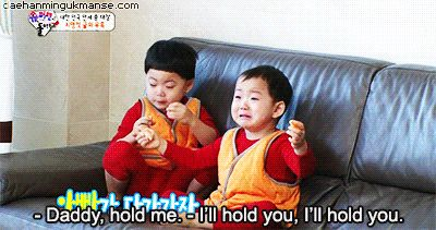 Minguk and Manse is scared of the shark balloon but Manse is still eating oranges when he is scared | The Return of Superman