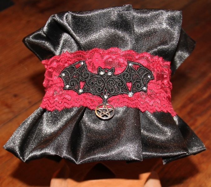 Halskrause Gothic Choker Einzelstück von tsvay auf DaWanda.com