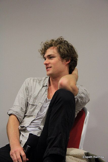 1000 images about finn jones hefner k roly on pinterest gethin anthony game of thrones and. Black Bedroom Furniture Sets. Home Design Ideas
