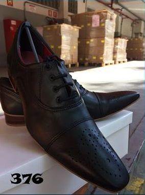 Detalhe Oxford Semi-Gloss Preto   – Sapatos masculinos, femininos e infantis