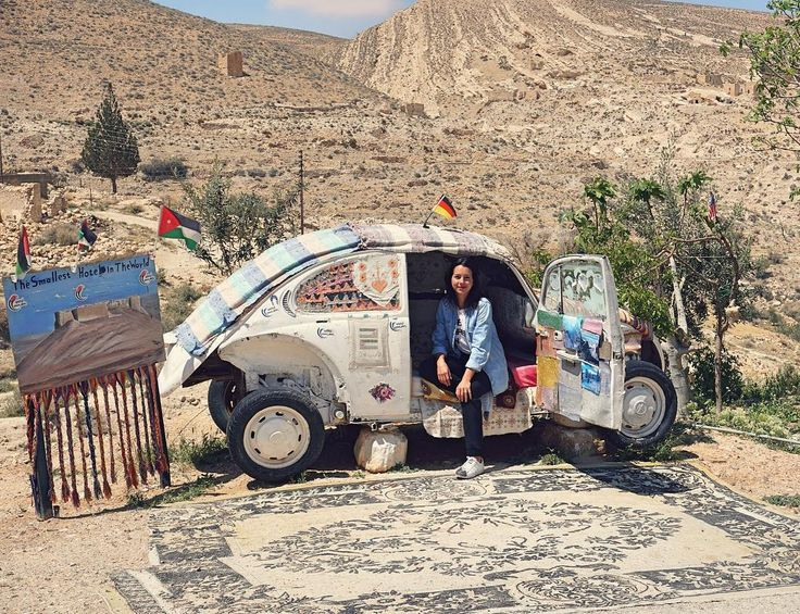 The best part of visiting a country with a local is seeing things you would never find on your own! ⠀ ⠀ This is The Smallest Hotel in the World, located in Al Shobak, Jordan. The man who runs the place, Abu Ali, is the sweetest so make sure to drop in for a tea and say hello!⠀👋🏼