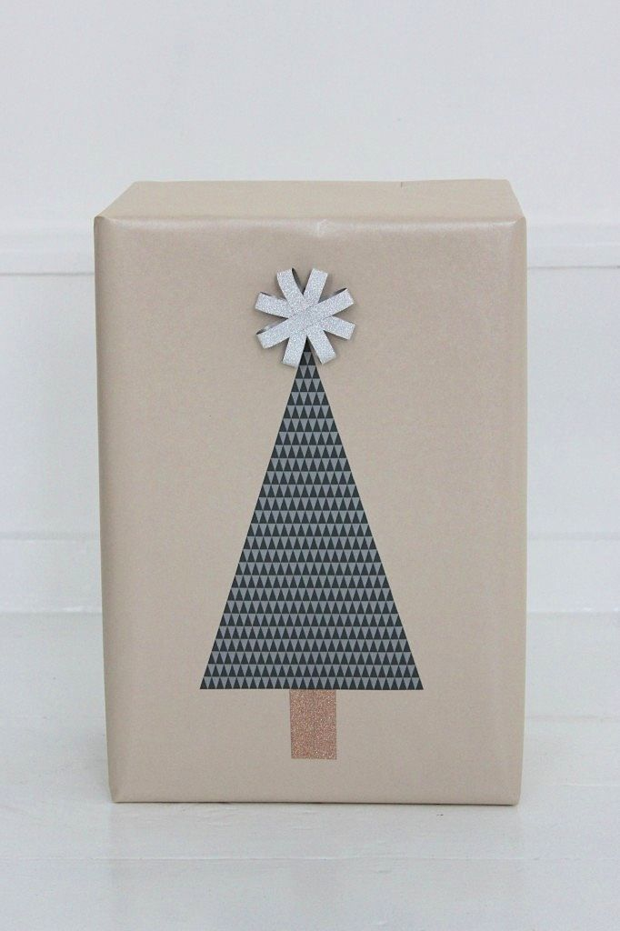 Christmas gift wrapping ❥ This is really cute #giftwrapping #scandistyle